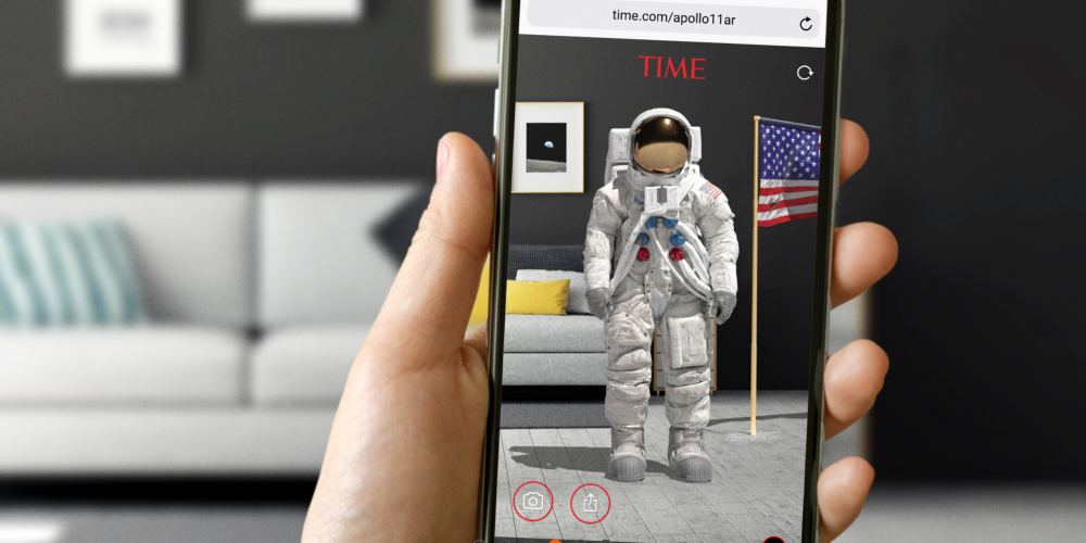'Landing on the Moon' App and Web AR Experience
